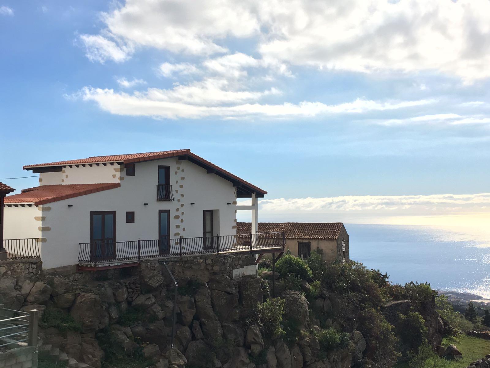 Недвижимость Испания  Тенерифе – Chalet en Vera de Erques!